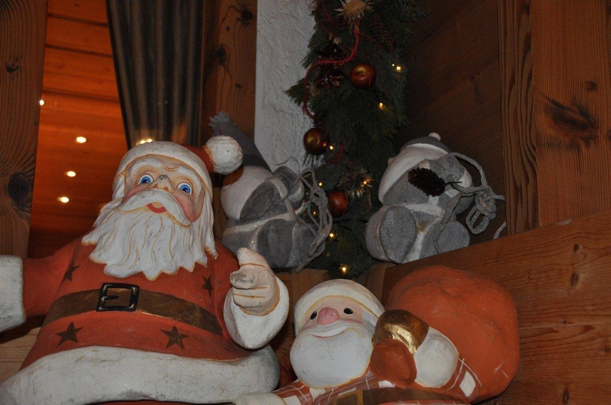 weihnachten-romantik-hotel-hornberg-sitzecke-aussen-saaenmoeser-gstaad-weihnachtsstimmungDSC_0035
