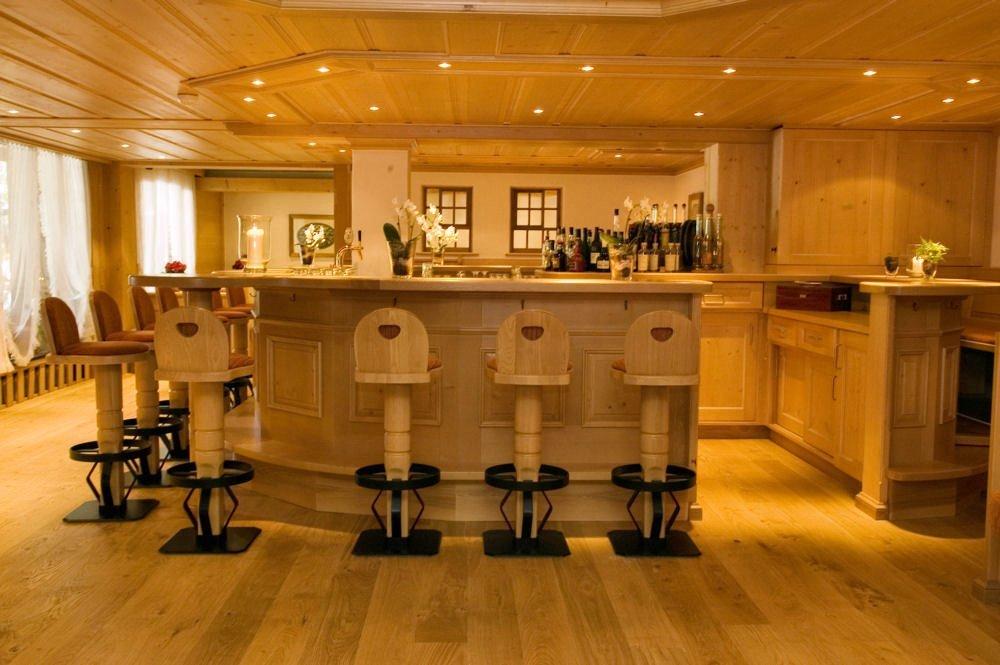 hotel-hornberg-saanenmoeser-gstaad-blog-umbau-vorher-bar
