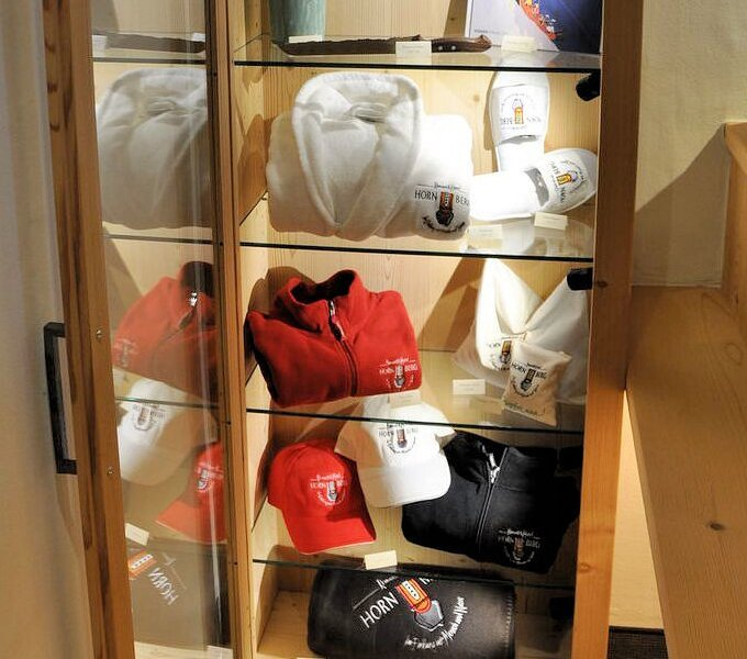 hotel-hornberg-saanenmoeser-gstaad-blog-souvenir-shop