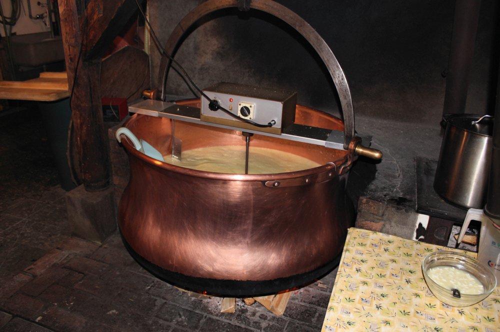 Käseherstellung Kupferkessel