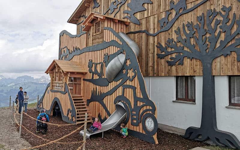 Die neuen Spielplätze Rinderberg und Wispile - Erlebniswelten für die ganze Familie